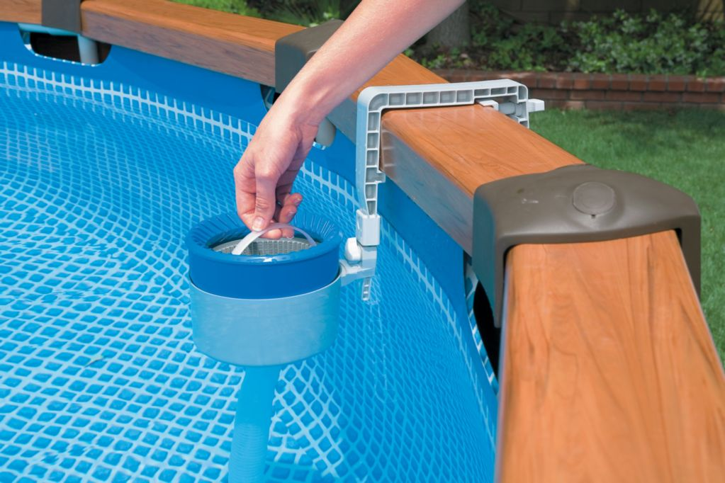 Intex deluxe wall mount surface skimmer - Swimming pool maintenance for dummies ...